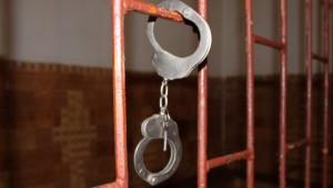 18 летний парен обвиняется в совращении 13 летней девочки