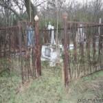 Смотрителя кладбища обвиняют в коммерческом подкупе.