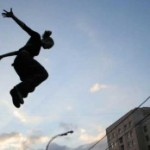 Паркур — один из методов борьбы с пьянством среди молодежи.